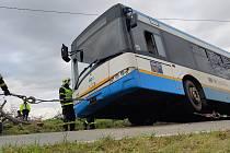 Nehoda autobusu, Řepiště, Frýdecko-Místecko, 14. listopadu 2020.