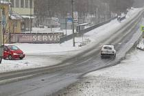 Křiožovatka v Oldřichovicích motoristům už delší dobu nevyhovuje.