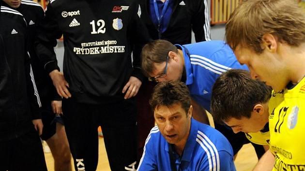 Trenér Aleš Chrastina.