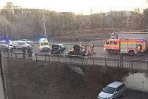 Srážka dvou osobních aut ve Frýdku-Místku.