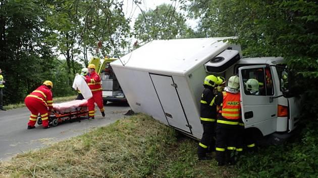 Zásah hasičů u nehody v Chlebovicích.