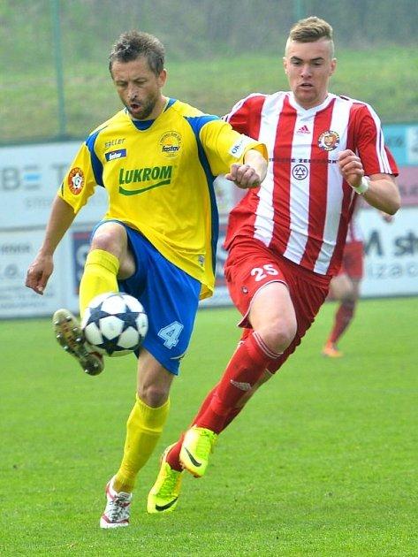 Třinecký útočník René Dedič (v pruhovaném) začal s fotbalem v Klokočově.