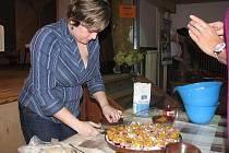 Dům PZKO v Mostech u Jablunkova hostil v sobotu Gorolský den s jídlem.