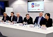 Zástupci Třince, Třineckých železáren a Českého svazu ledního hokeje podepsali dohody o spolupráci pro MS juniorů v ledním hokeji.
