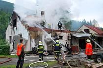 Výbuch vážně poškodil statiku objektu, škoda byla předběžně stanovena na 1,5 milionu korun.