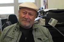Prozaik Jan Kukuczka vedoucí Literárně dramatické společnosti Místecká Viola.