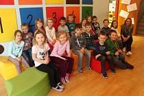 Snímek zachycuje třídu 1.A ze základní školy v Dobré. Třídní učitelkou je Petra Svobodová.