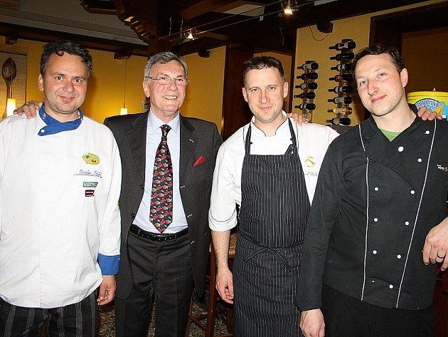 Valašské speciality připravovali v uplynulých dnech v Itálii kuchaři ze tří hotelů Resortu Valachy.