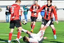 Druholigoví fotbalisté Třince si v domácím prostředí poradili se slovenským Liptovským Mikulášem 2:1.