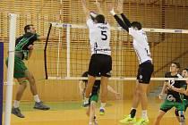 Volejbalisté prvoligových Beskyd (v bílém) porazili v domácím prostředí Nymburk 3:0.