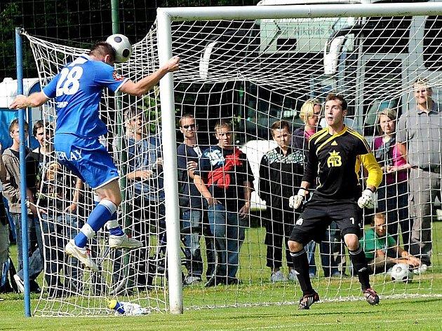 Před více jak tisícovkou diváků zakončili fotbalisté Lískovce letošní sezonu.