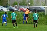 V Dobraticích se z výhry 2:1 radovali fotbalisté Starého Města (v zeleném).