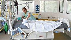 Nová polohovací lůžka v nemocnici ve Frýdku-Místku.