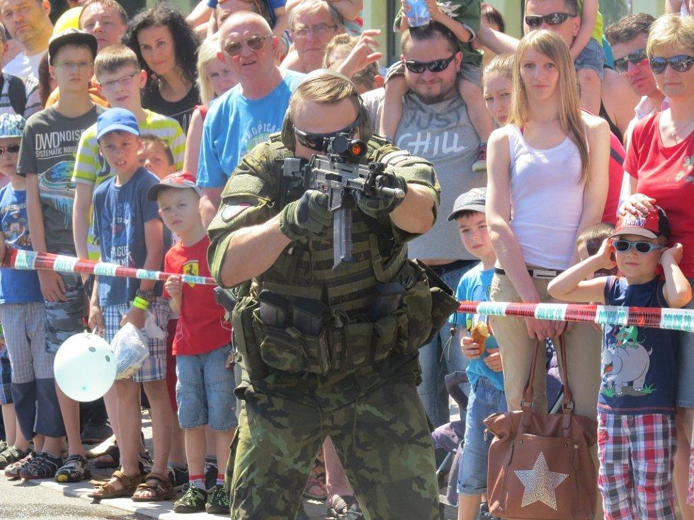 V Třinci se v sobotu na náměstí Svobody konal už patnáctý ročník Dne s IZS.