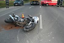 Hlavní silnice v centru Hrádku patří mezi nejnebezpečnější místa v regionu. O život zde 8. října 2008 přišel i devatenáctiletý motorkář. Ilustrační foto.
