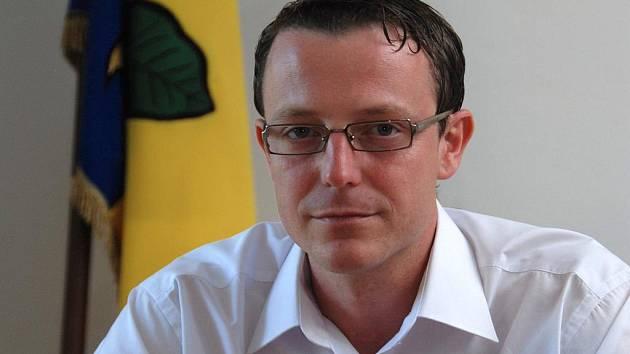 Novým poslancem České republiky se stal šestatřicetiletý Petr Jalowiczor, který je i starostou Bukovce.
