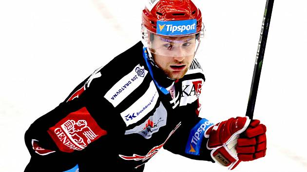 Marian Adámek zaznamenal proti Olomouci první gól v aktuálním ročníku extraligy.