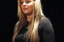 Osmnáctiletá studentka střední školy na Potoční ulici ve Frýdku Tereza Szumilová předvedla svůj talent i na okresním kole recitační soutěže Wolkrův Prostějov.