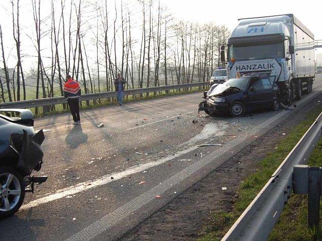 Snímek z dopravní nehody.
