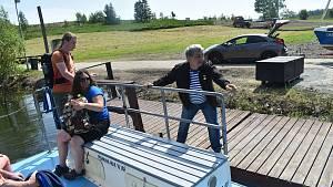 Zahájení plavby přívozu Rouza na Slezské Hartě.