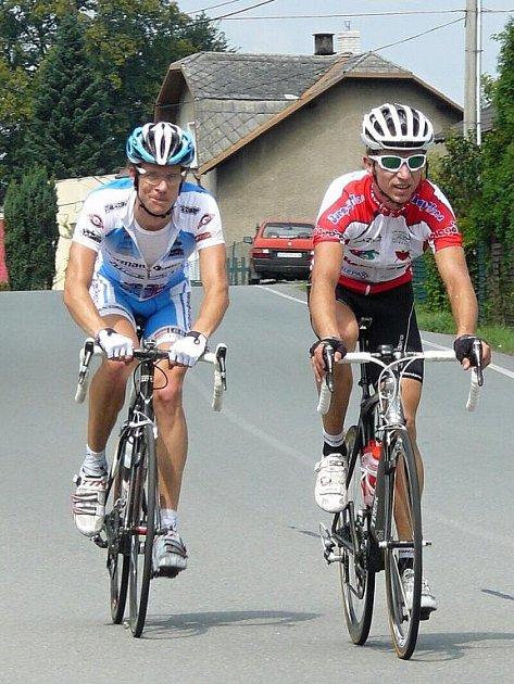 Dvojice Petr Hudeček a Petr Swaczyna ujela všem soupeřům. Po odstoupení Swaczyny se z prvenství radoval Hudeček.