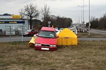 Dne 18. března okolo 16 hodin došlo ve Frýdku-Místku na rychlostní silnici, poblíž hypermarketu Tesco k dopravní nehodě. Řidič Škody Felicie vjel na kruhový přejezd a zastavil se až o reflexní bariéru.