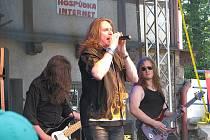 Místecký Sokolík ovládla v sobotu tvrdá muzika. Akce s názvem FM Open Fest 2012 lákala fanoušky všech generací.