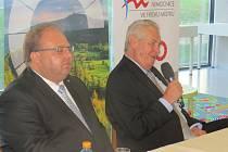 Prezident Miloš Zeman si návštěvě Frýdku-Místku prohlédl i nový pavilon chirurgických oborů.