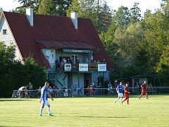 Sportovní inspektor zavítal na fotbalový stadion do Milíkova.