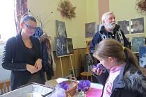 Jarmark řemesel, který se v sobotu 1. listopadu uskutečnil v areálu Pohostinství Benátky v Krmelíně, přilákal několik set lidí.
