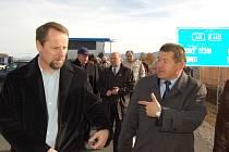 Generální ředitel Třineckých železáren Jiří Cienciala (vpravo) na archivním snímku s Martinem Římanem.