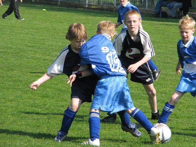 Okresní finále McDonald´s Cup 2008 druhých a třetích tříd se konalo ve středu 14. května ve frýdecko-místeckých Stovkách.