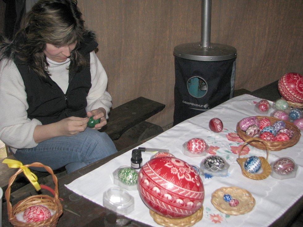 Areál Na mlýně v Kozlovicích byl v sobotu 21. března místem vítání jara s ukázkou lidové tvořivosti zaměřené na Velikonoce.