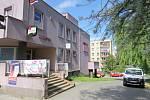 Vyhláška regulující otevírací dobu na Růžovém pahorku zrušena nebyla.
