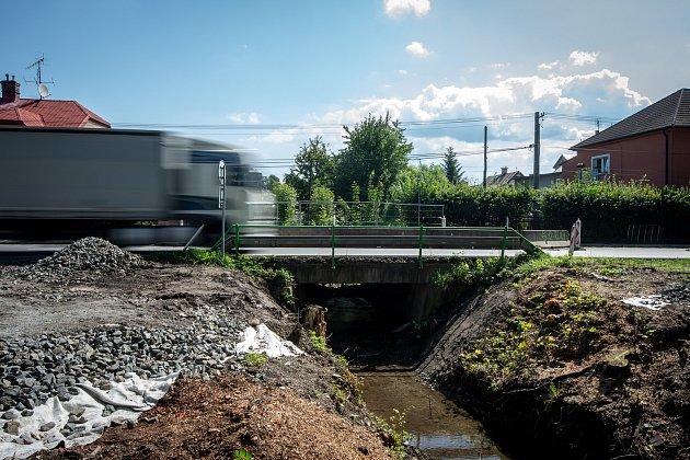 Most přes Bystrý potok vBašce před demolicí, 15.srpna 2019.