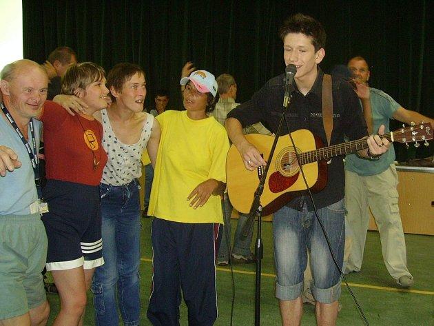 Martin Ševčík během koncertu v Našem světě v Pržně.