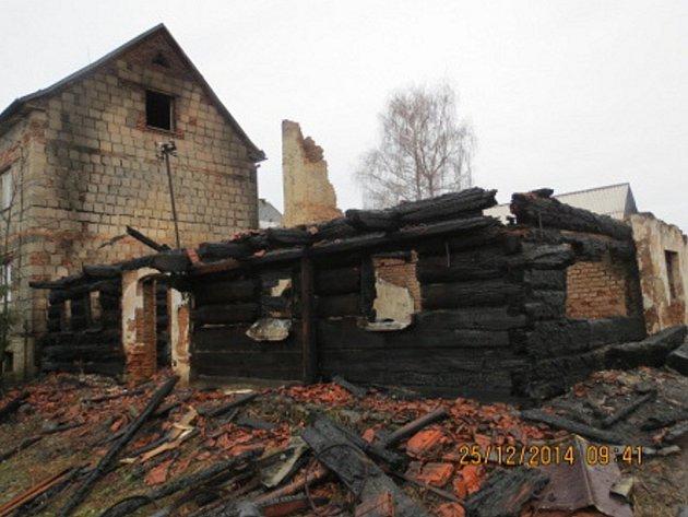 Následky požáru v Raškovicích.