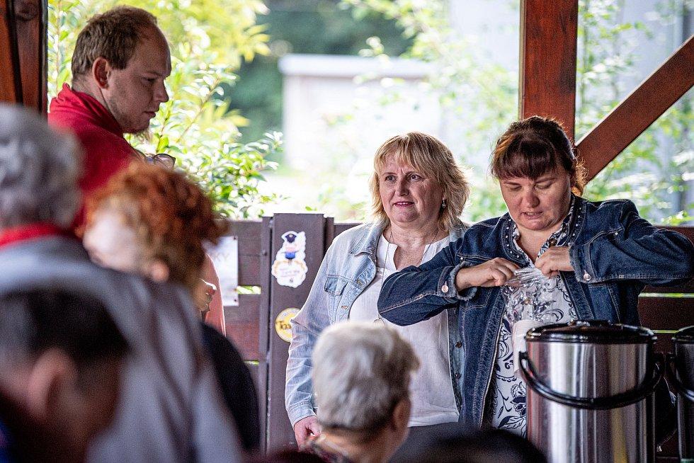 Sousedská snídaně v baru U Emera, 4. září 2021 v Třinci. Politička Pavla Golasowská (KDU-ČSL).