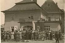 Slavnostní otevření Domu pionýrů a mládeže v Jablunkově proběhlo 20.5.1951.