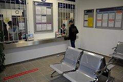 Železniční zastávka Třinec centrum má novou čekárnu.
