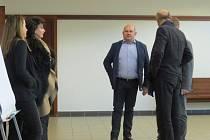 Prezident hokejového klubu HC Frýdek-Místek Lukáš Vích stanul kvůli údajnému zneužití poskytnutých dotací v pátek 9. prosince před soudem.