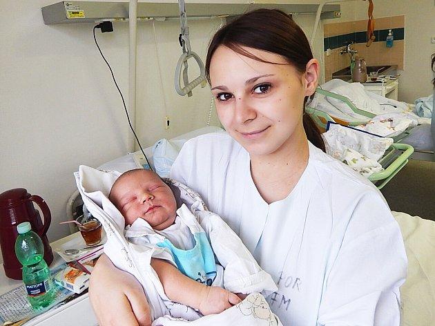 Petr Sovák, Frýdek-Místek, nar. 13. 10., 53 cm, 4,35 kg. Nemocnice Frýdek-Místek.