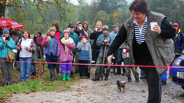 V sobotu 24. října vysadili ve Štramberku Výroční lípovou alej.