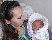 Druhorozený syn Oskar se narodil 28. října mamince Veronice Hoffmannové ze Staříče. Po porodu dítě vážilo 3540 g a měřilo 50 cm. Bráška Tom se na miminko těší.