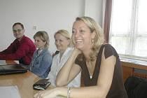 Účastníci pátého rekvalifikačního kurzu Brána, kteří se od konce ledna vzdělávali v prostorách Vyšší odborné školy Goodwill ve Frýdku-Místku (úplně vpravo Monika Škulavíková).