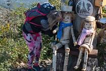 Ondru seniora na vrcholu beskydské hory Ondřejník nahradil jeho stejnojmenný nástupce s manželkou.