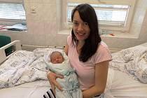 Adam Kawulok s maminkou, Hrádek, nar. 20. 8., 50 cm, 3,44 kg, Nemocnice Třinec.