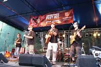 Skupina Kajkery na Sweetsen Festu.