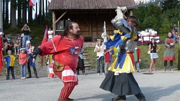 Na hranicích se Slovenskem proběhlo setkání s kulturním programem nazvané Lidé lidem v Beskydech.
