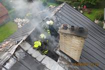 Požár podkroví rodinného domu v Kozlovicích.